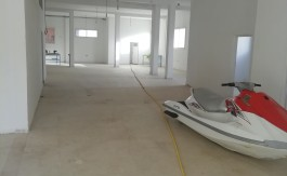 A L LOCAL COMMERCIAL 950 M2 TUNIS OUEST